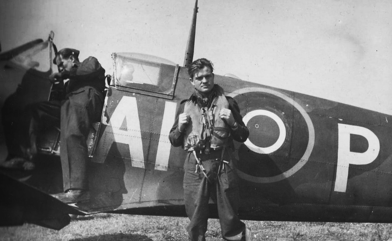 Jon Ryg, 332 Sqn's Squadron Leader to be, seen shortly after D-Day. © Crown Copyright