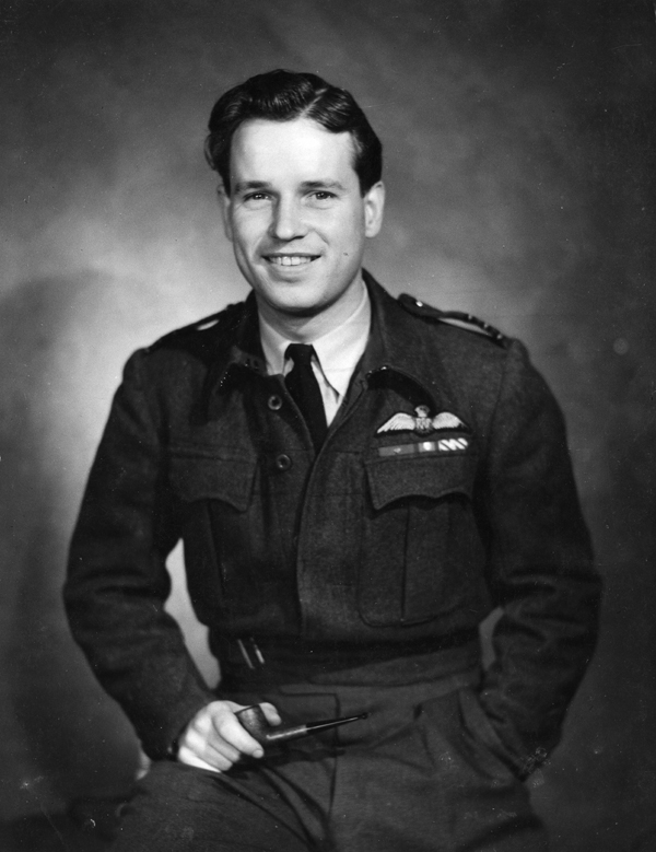 """Wing Commander Guy Penrose Gibson VC DSO* DFC*. Portrait taken for the book """"Air Aces"""" by Gordon Anthony first published in 1944 © Crown Copyright"""