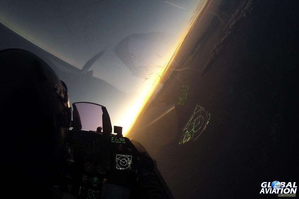 © HAF F-16 Demo Team - www.globalaviationresource.com