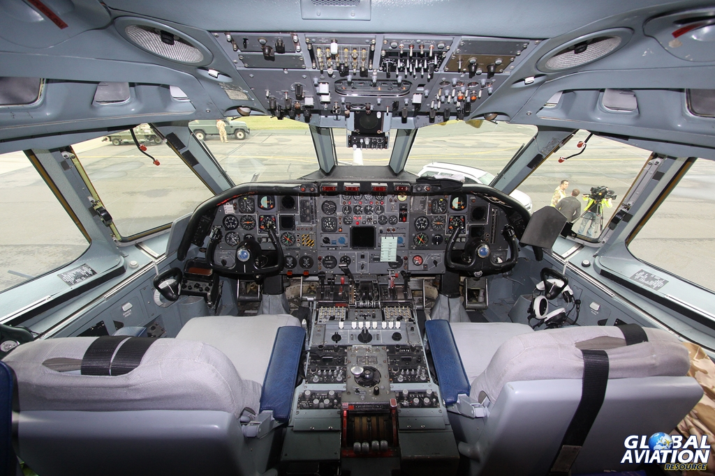 The flight deck of VC10 K3 ZA148 © Karl Drage - www.globalaviationresource.com